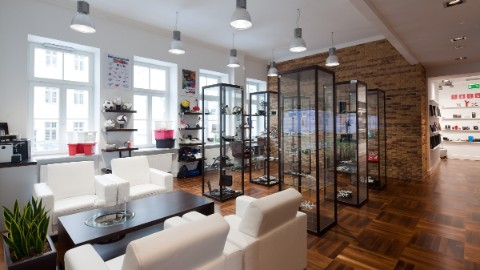Example of a stylish and spacious office in Warsaw business center Lipinski Passage.